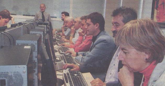 """""""Ciudadanos2005"""" recoge ya más de 350 peticiones al Ayuntamiento"""