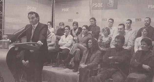 Los dirigentes socialistas arropan a Arahuetes y a su Gobierno