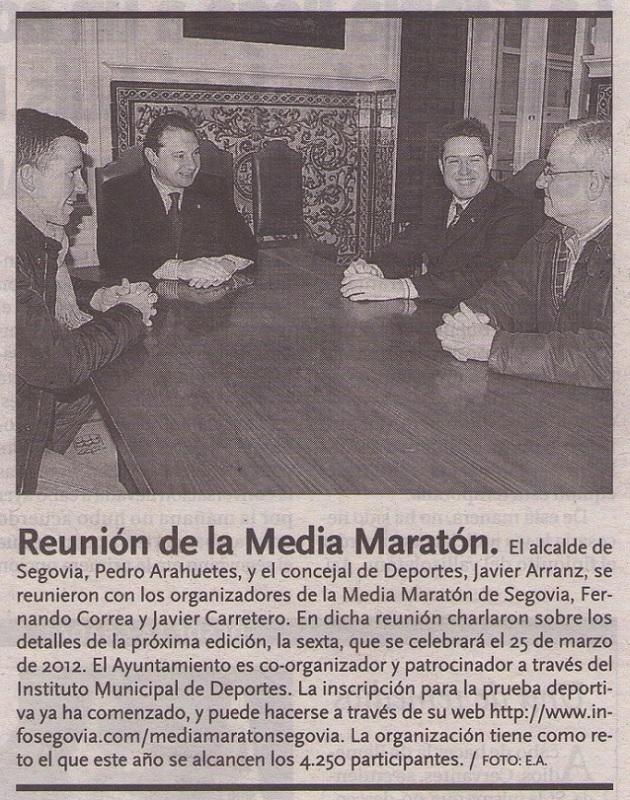 El alcalde de Segovia, Pedro Arahuetes, y el concejal de Deportes, Javier Arranz, se reunieron con los organizadores de la Media Maratón de Segovia, Fernando Correa y Javier Carretero.