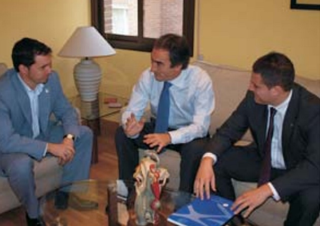 Javier Arranz y Luis Sanz se reunieron con el presidente de la Liga Nacional de Fútbol Sala