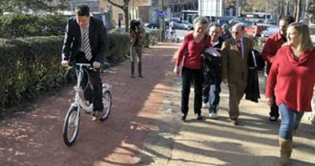 El alcalde inaugura el nuevo carril bici del Parque del Cementerio