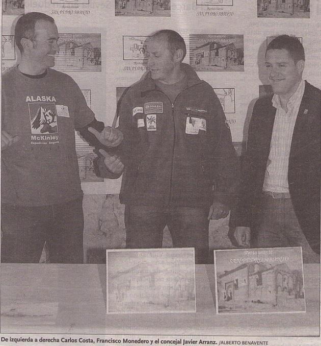 De izquierda a derecha Carlos Costa, Paco Monedero y el concejal Javier Arranz