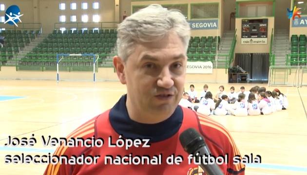 """José Venancio López: """"En Segovia he disfrutado del fútbol sala como entrenador"""""""