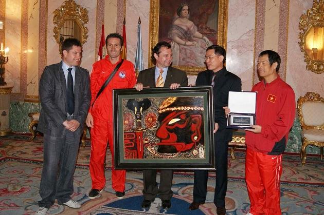 Recepción oficial a la selección nacional de fútbol sala de Vietnam