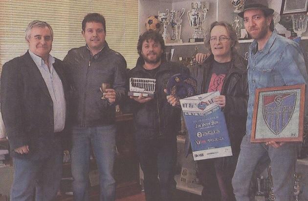 El grupo musical del concejal de Deportes colabora para ayudar a la Segoviana