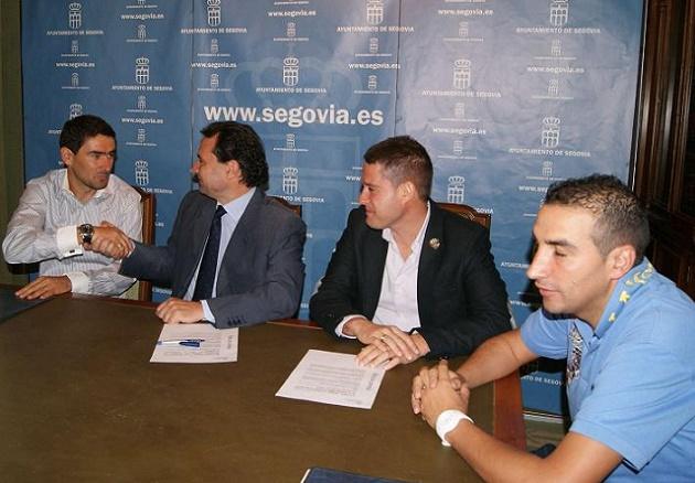 El Ayuntamiento y el CD Segosala firmaron un convenio para esta temporada