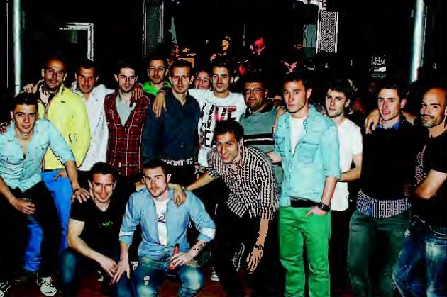 La plantilla de la Gimnástica Segoviana disfrutó del concierto de los tres grupos segovianos